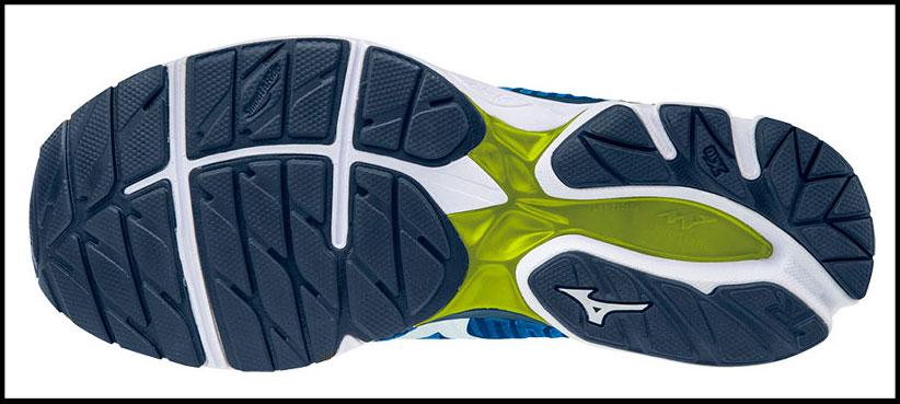Suela de las zapatillas running Mizuno Wave Knit R1.