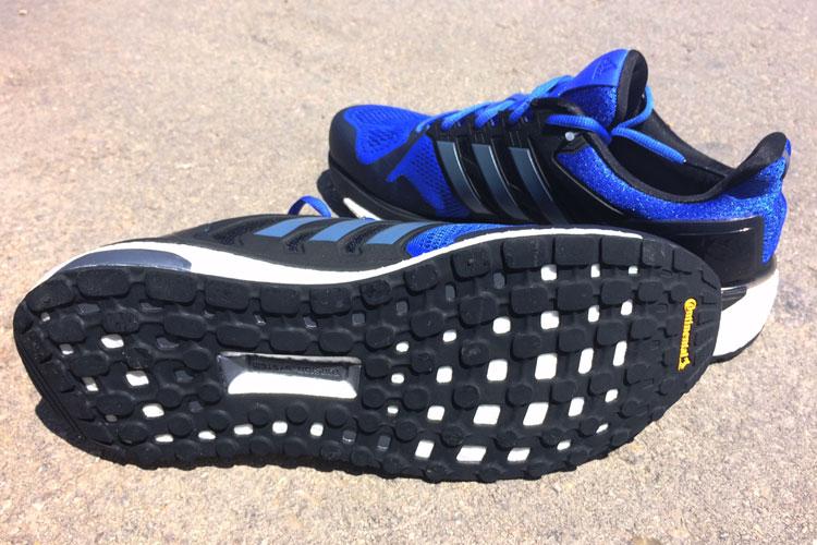 sale retailer 85325 79247 En la suela, adidas tampoco defrauda. Para ello, ha incorporado el concepto  StrechWeb que podemos encontrar en sus zapatillas running de gama alta  las  ...