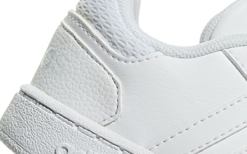 Adidas Hoops 2.0 CMF white baby - Velcro straps closing