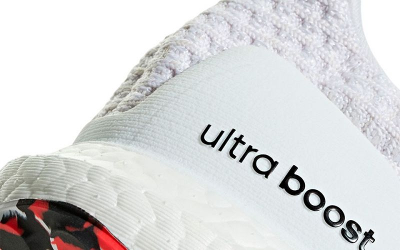 ULTRABOOST BLANCO ROJO DB3199