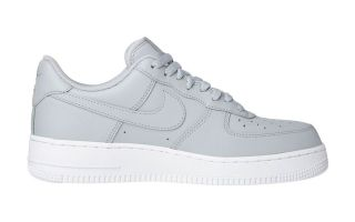 NIKE AIR FORCE 1 07 GRIS AA4083 010