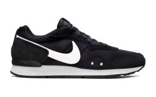 Nike VENTURE RUNNER BLACK WHITE