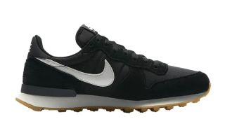 Nike INTERNATIONALIST BLACK WHITE WOMEN