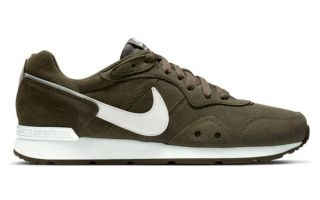Nike VENTURE RUNNER SUEDE OLIVENGR�N CQ4557 300