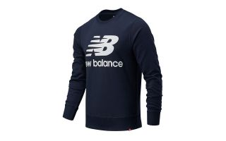 New Balance SUDADERA ESSENTIALS STACKED LOGO AZUL MARINO