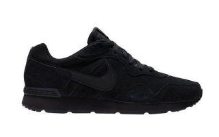 Nike VENTURE RUNNER SUEDE SCHWARZ CQ4557 002