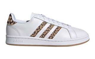 <center><b>adidas</b><br > <em>GRAND COURT WHITE WOMEN</em>